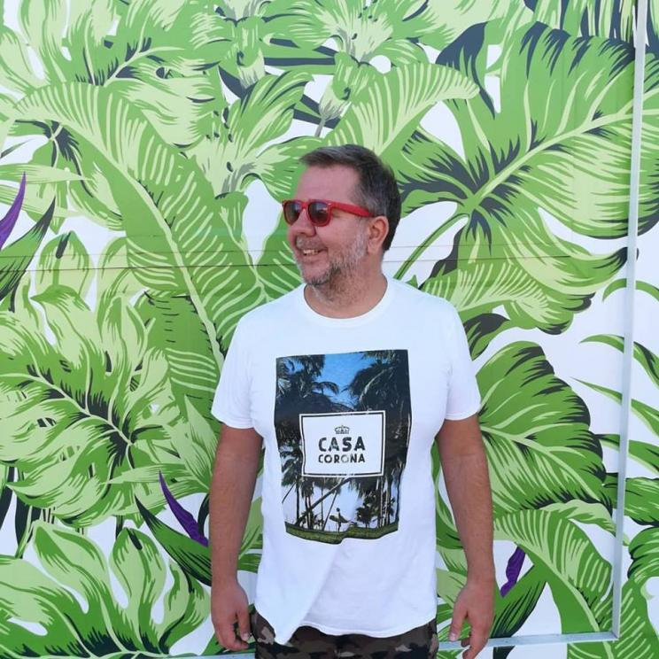 TROPICAL BEATS  Karl Hildebrandt djset  16 Jun. Sáb. 22h LARGO Café Estúdio
